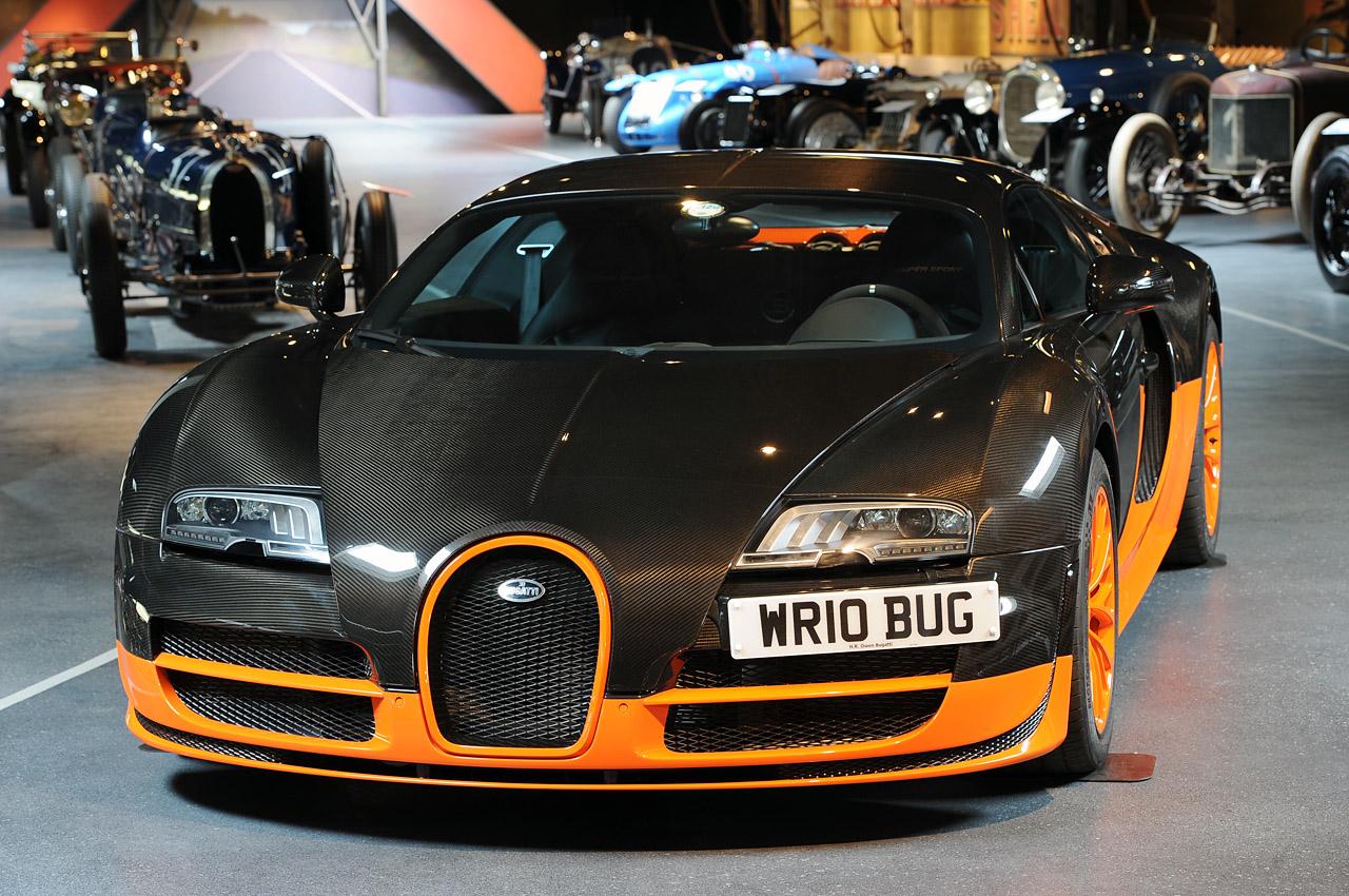 Sx-Z   Bugatti Veyron 16.4 Super Sport World Record Edition visits the Mullin Museum