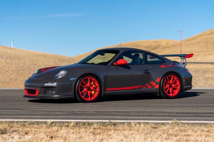 Grey Black Porsche 911 GT3 RS