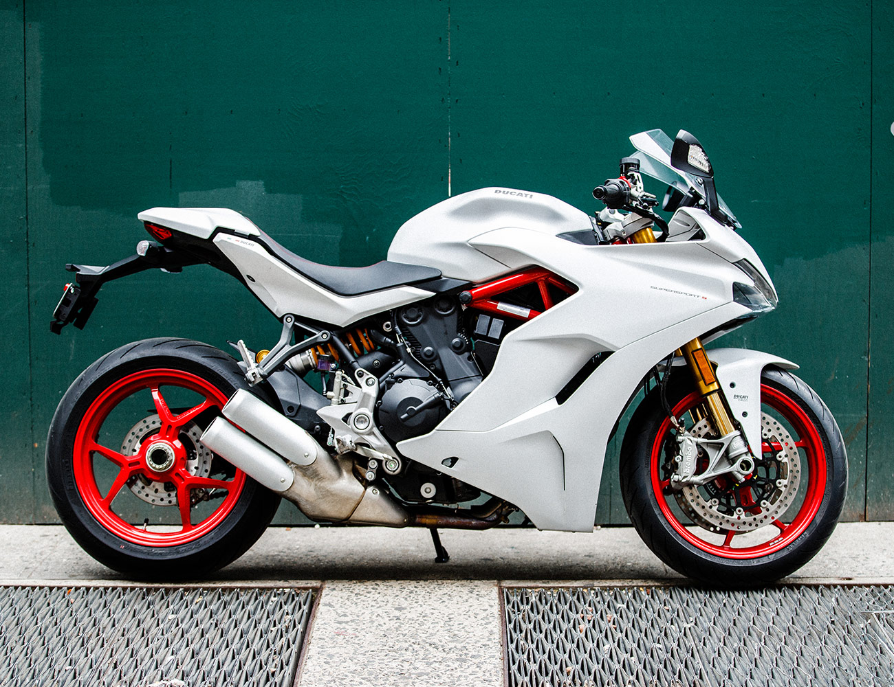 2018 ducati supersport s review a sport bike for the average rider