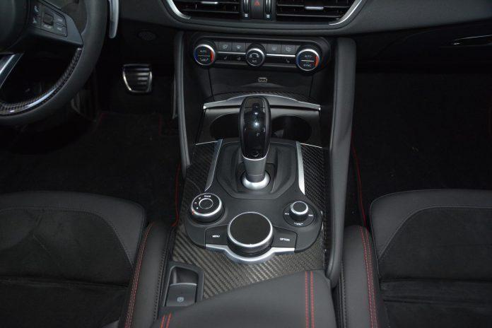 2019 Alfa Romeo Giulia QV Center Console