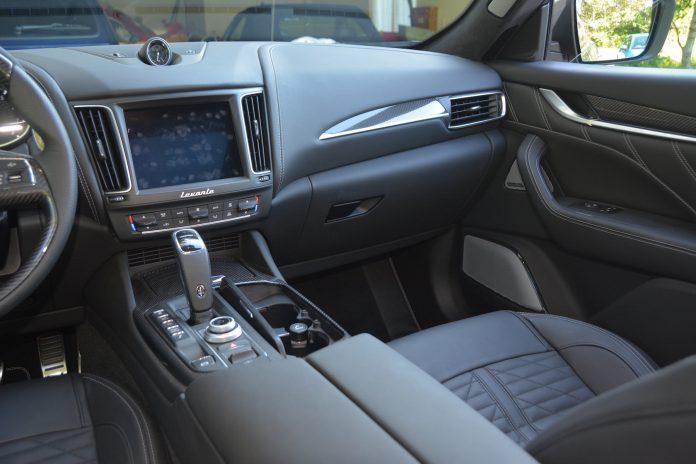 Maserati Levante Trofeo Interior