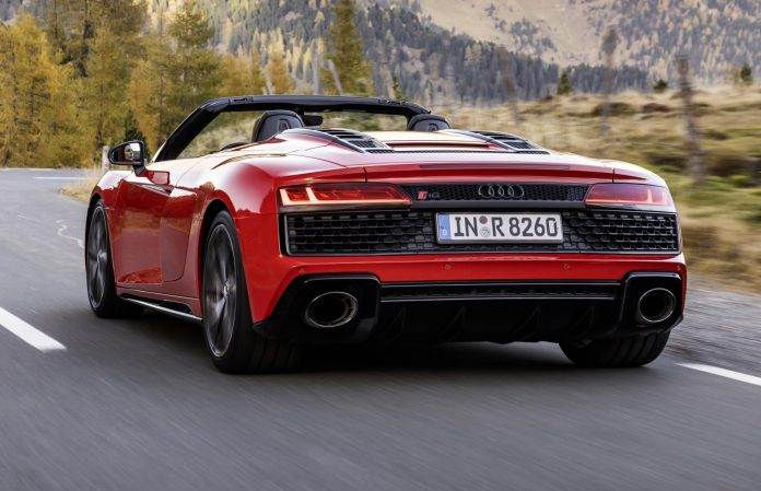 2020 Audi R8 RWD Spyder Top Down