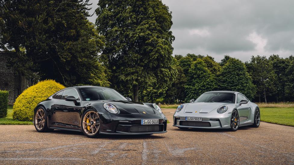Two Porsche GT3 Touring models