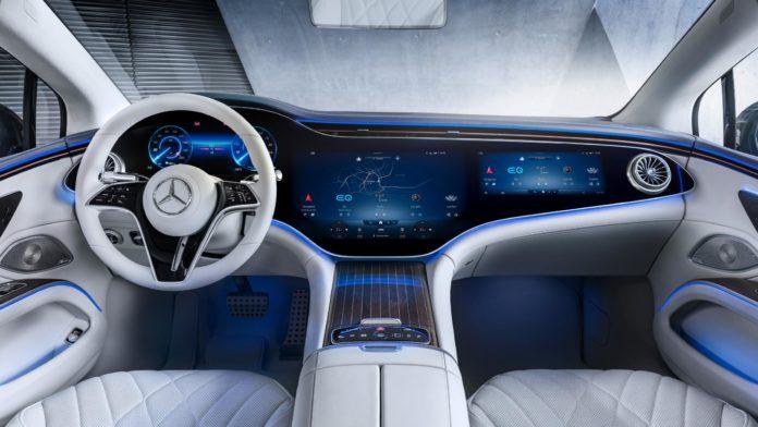 Mercedes EQS cockpit