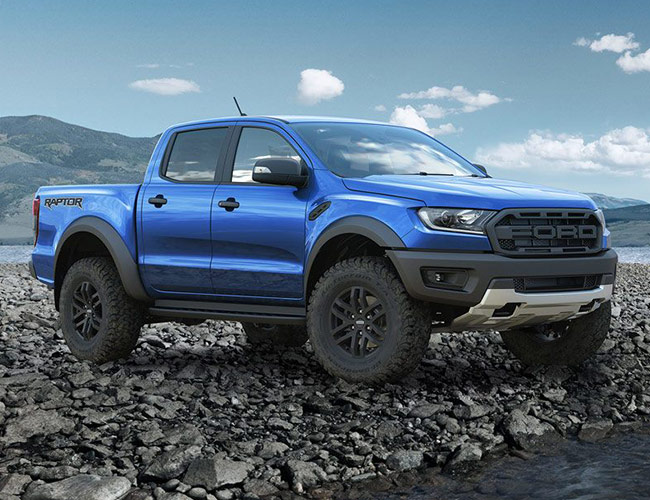 The All-New Ford Ranger Raptor Looks Insanely Good Off-Road