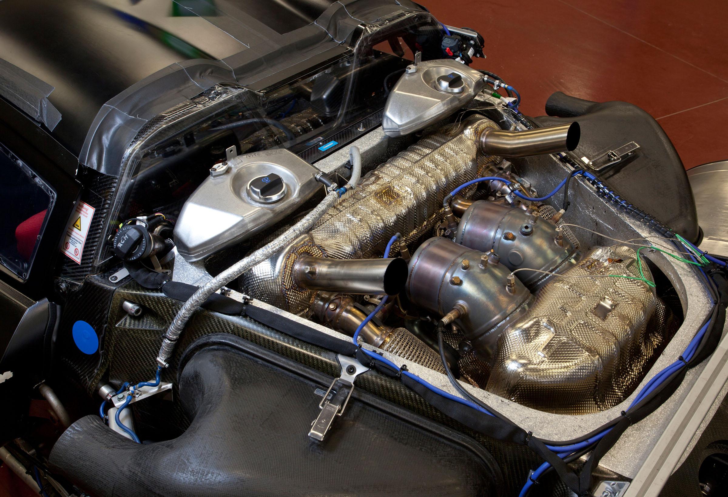 A view of a Porsche MR6 V8 Hybrid engine