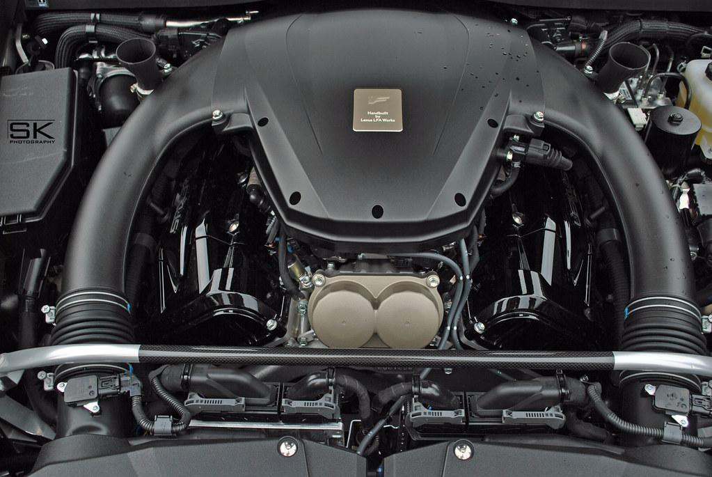 Lexus LFA 4.8L V10 (1LR-GUE) Engine