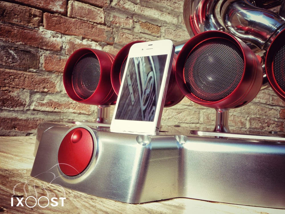 Sx-Z | iXoost Exhaust Manifold iPhone Docks