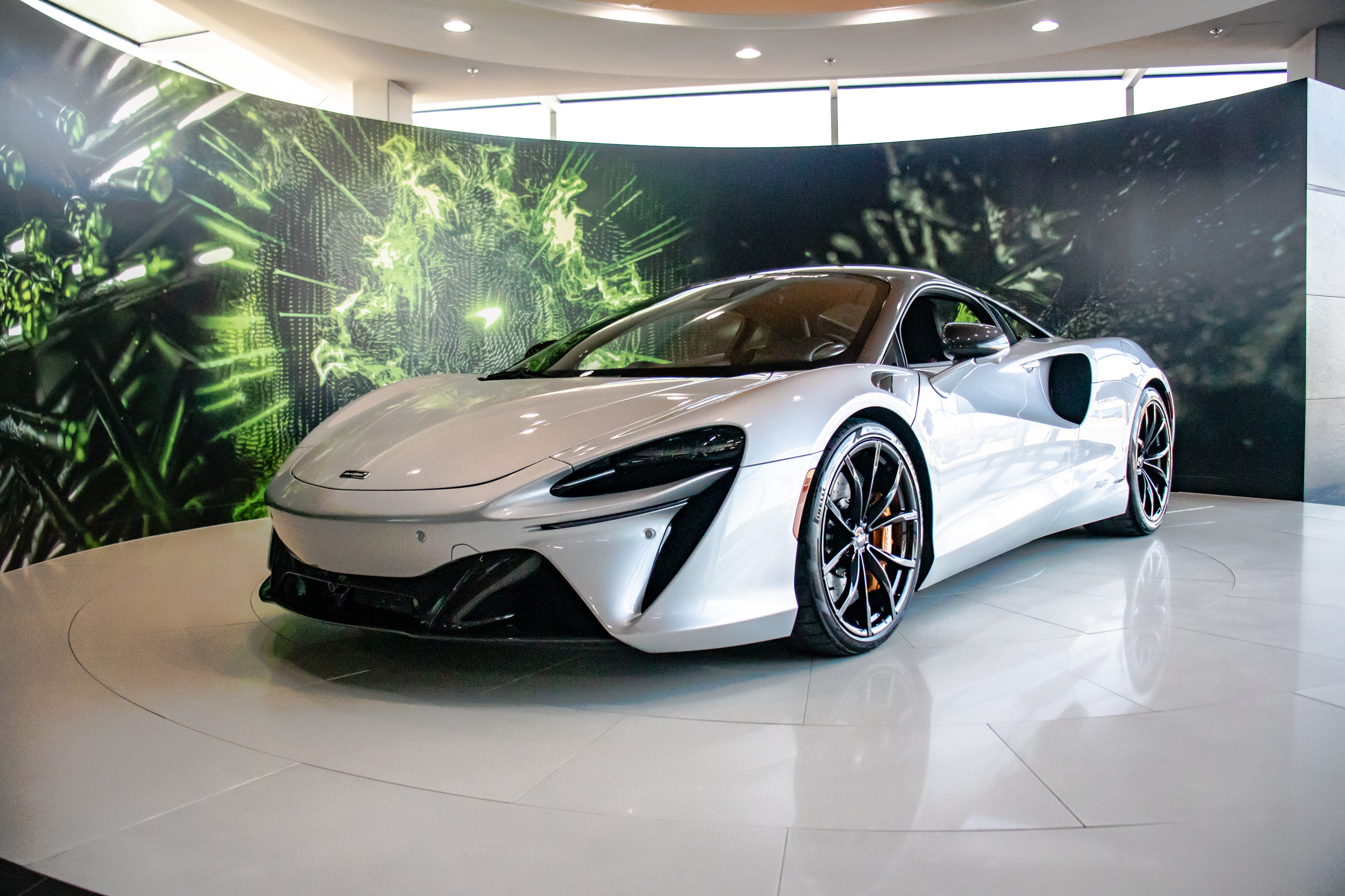 2021 McLaren Artura Front