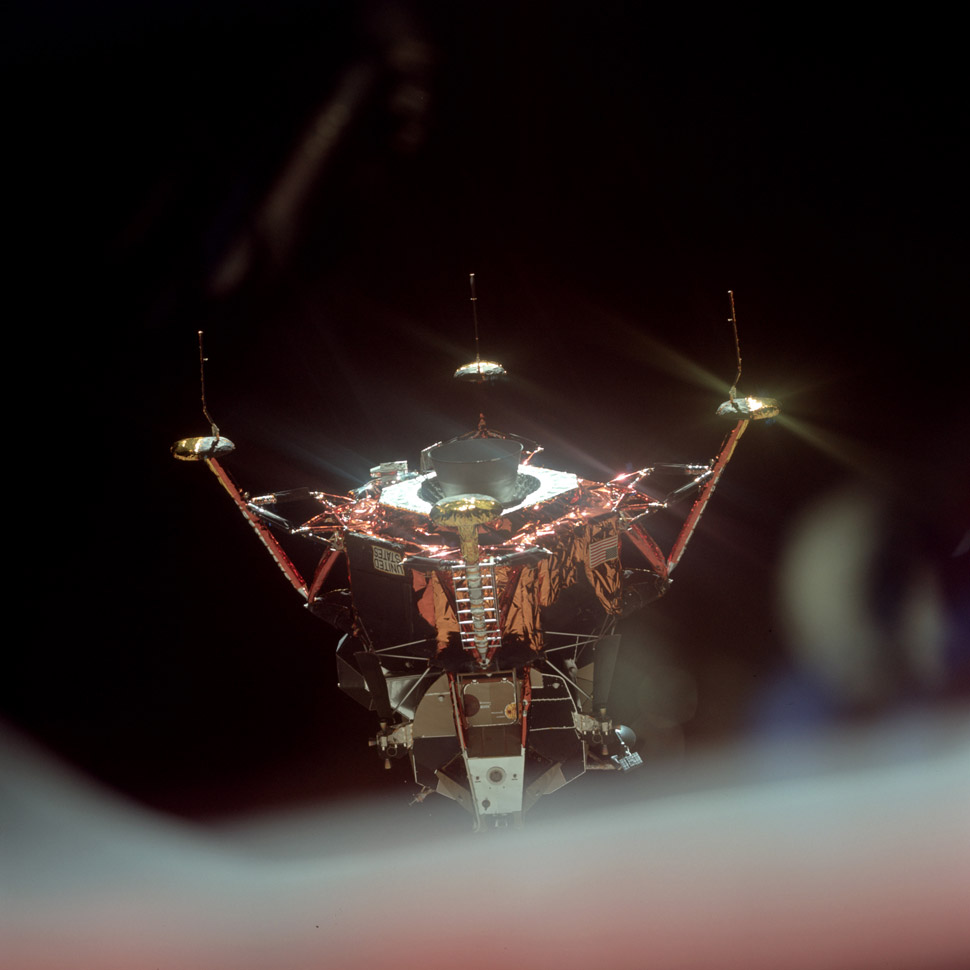 Inspection of the lunar module (callsign: Eagle) before it starts its descent to the Lunar surface.