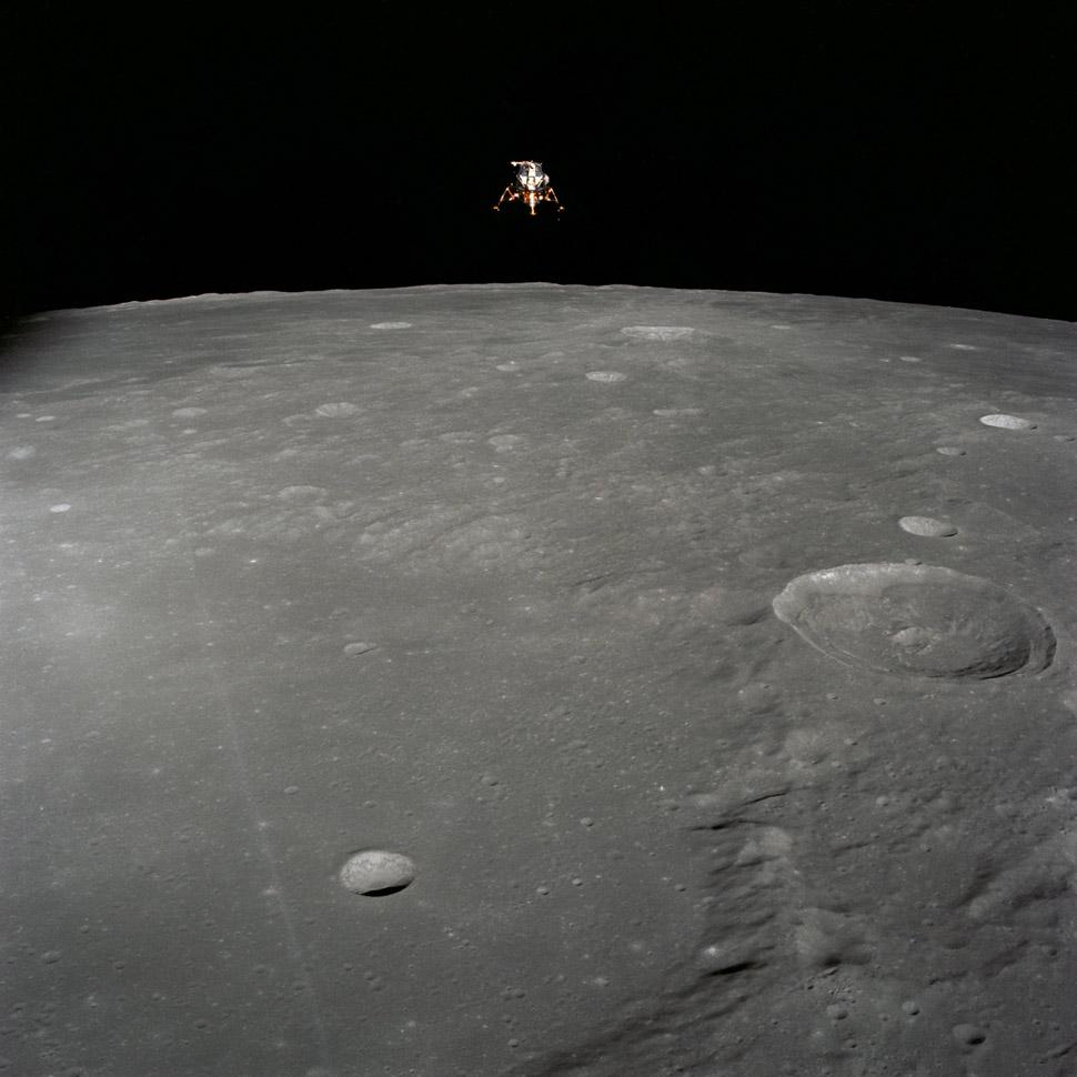 The Lunar Module (callsign: Intrepid) descends towards a perfect landing (unlike Apollo 11)
