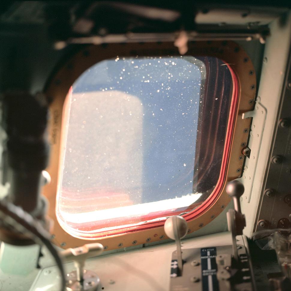 Window-Apollo-7-gear-Patrol