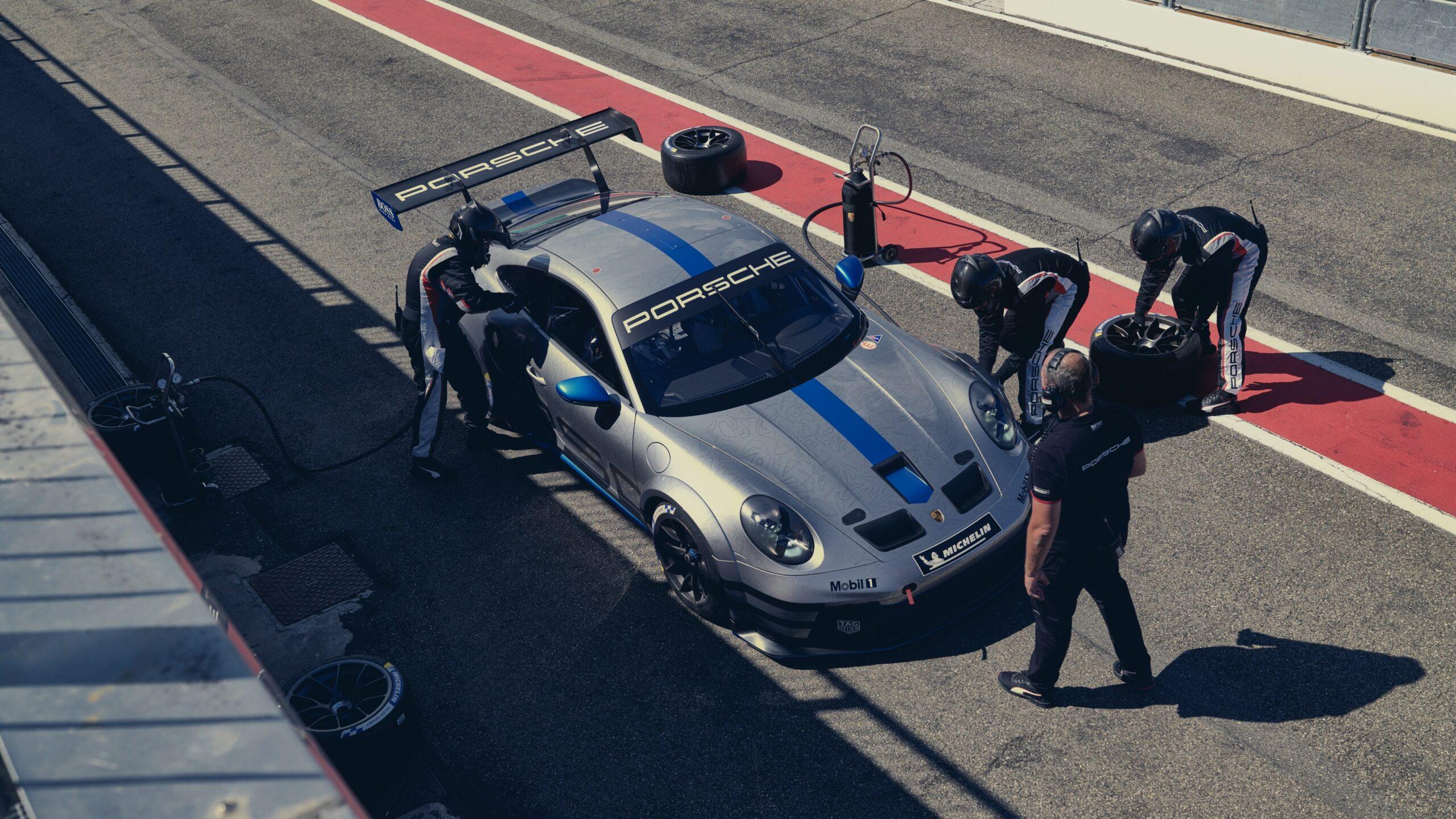 Porsche 911 GT3 Cup Pit Lane