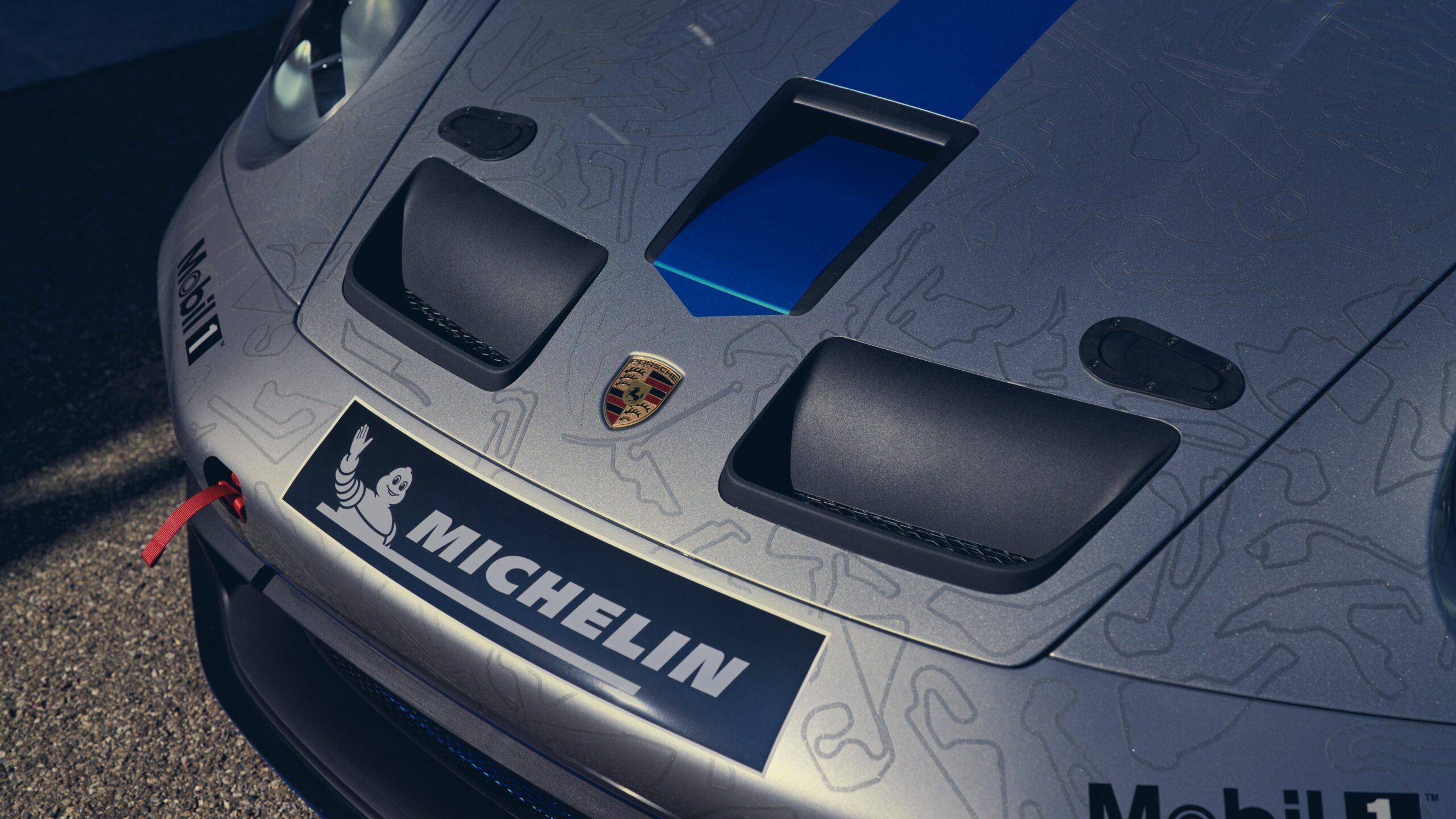 Porsche 911 GT3 Cup Bonnet