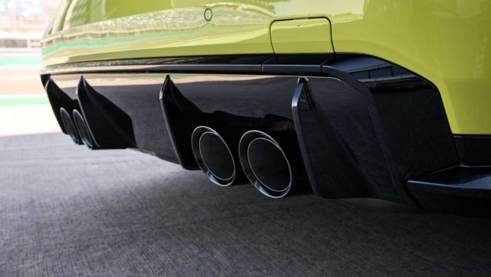 2021 BMW M4 Exhaust Tips