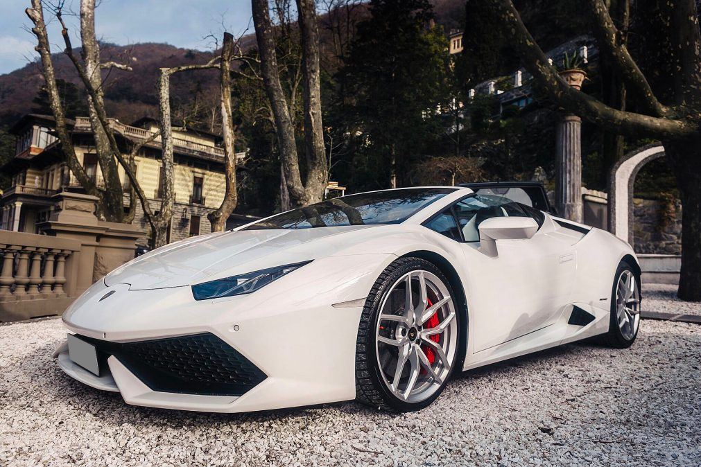 Lurento luxury car rental lamborghini huracan