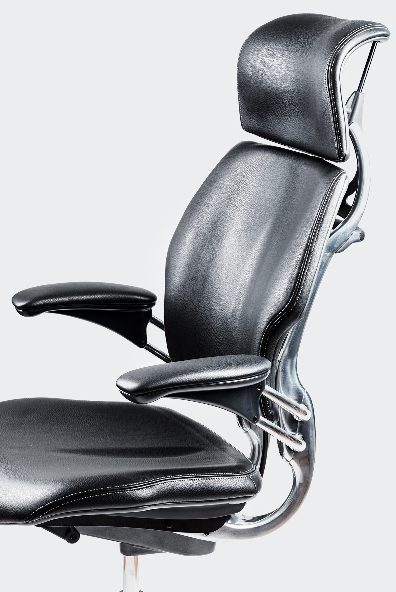 Best Office Chairs For Back Support >> The 14 Best Office Chairs Of 2019