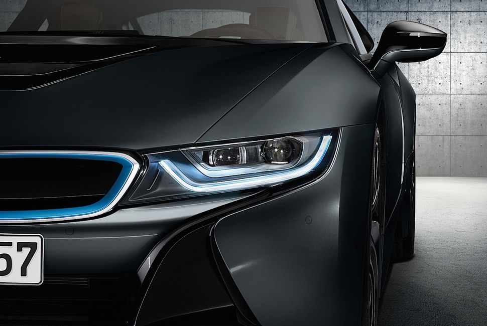 BMW-i8-Laser-Lights-Gear-Patrol