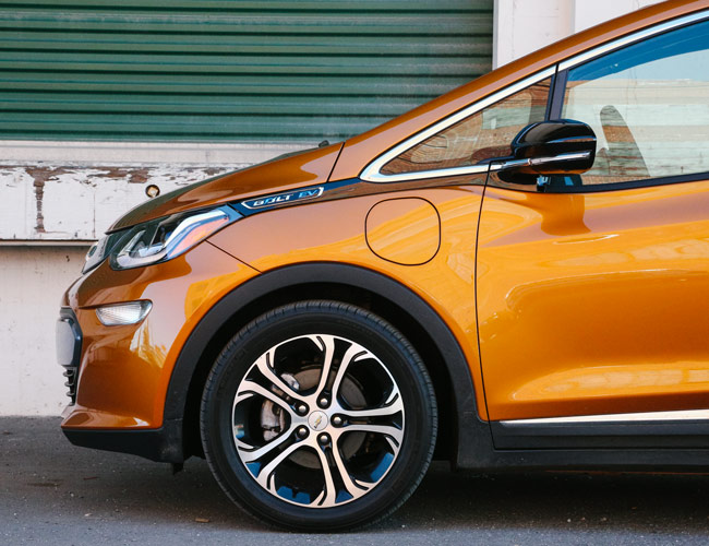 Review: The Chevy Bolt Is GM's First Electric Car That Doesn't Suck
