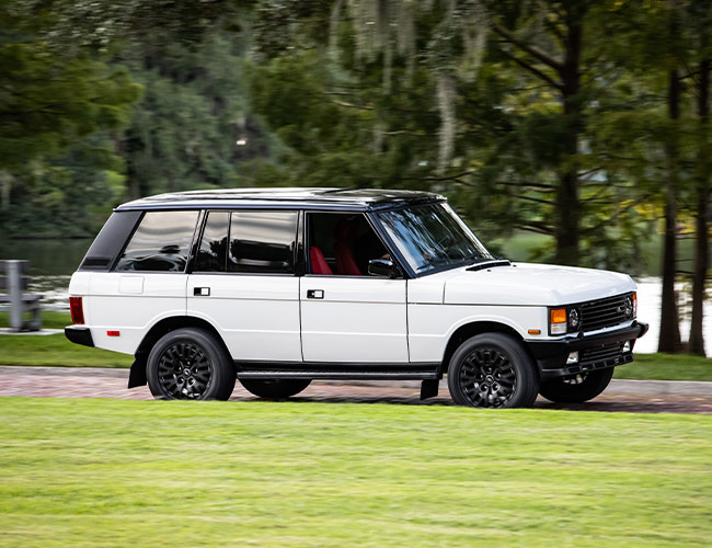 This Sexy, Perfectly Restored Range Rover Classic Will Haunt Your Dreams