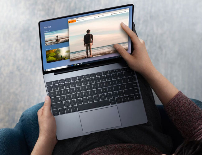The Best Laptop of CES Is the MacBook Air's Biggest Rival