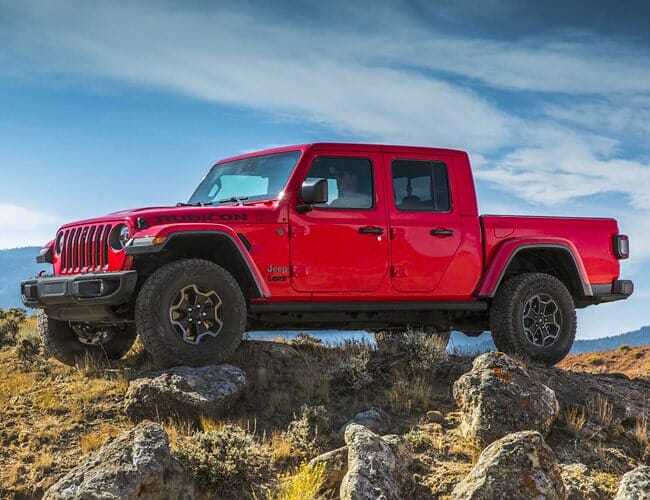 Lease a Jeep Gladiator, It'll Be Cheaper Than a Wrangler