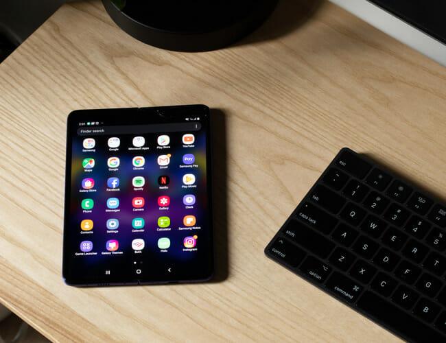 Samsung Galaxy Fold Review: A Futuristic Phone That Made Me Nostalgic