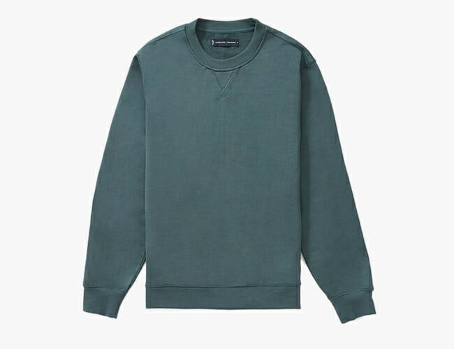 Everlane Perfected Its Wardrobe Basics for Everyday Wear