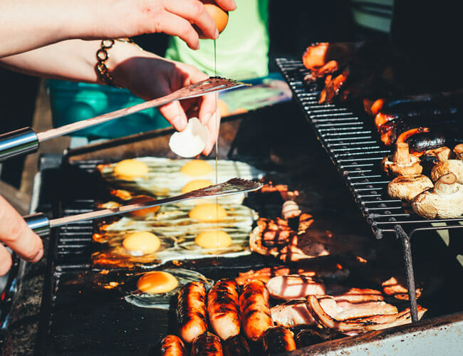 Propane vs. Natural Gas: How to Choose the Right Fuel for Grilling