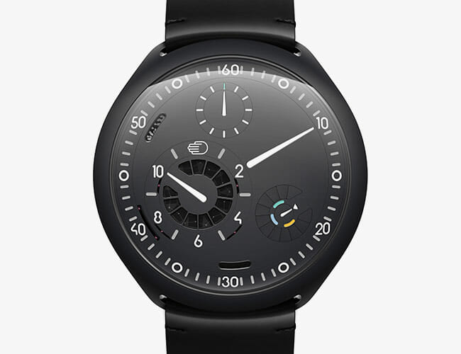 Smartwatch or Mechanical Watch? This Revolutionary Design Is Both